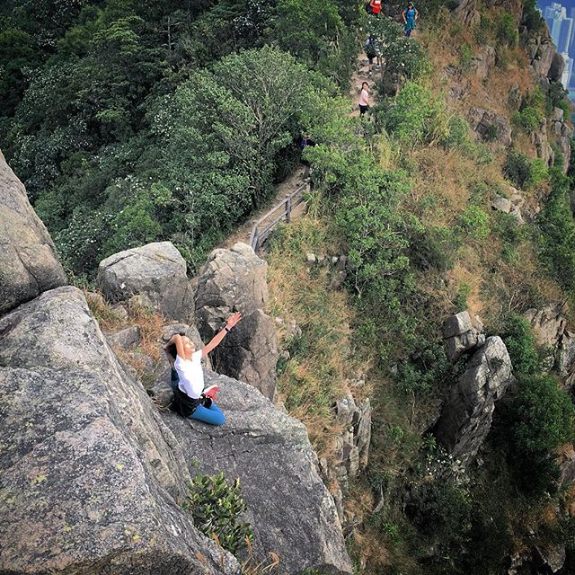 #Yoga on #LionRock - what price a photo? It's a great shot but it's one slip from death. #hiking #hongkong. #hk #hkig