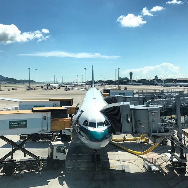 #HKIA on a clear day. A #CathayPacific #plane gets ready for its flight. #hongkong #hk #hkig