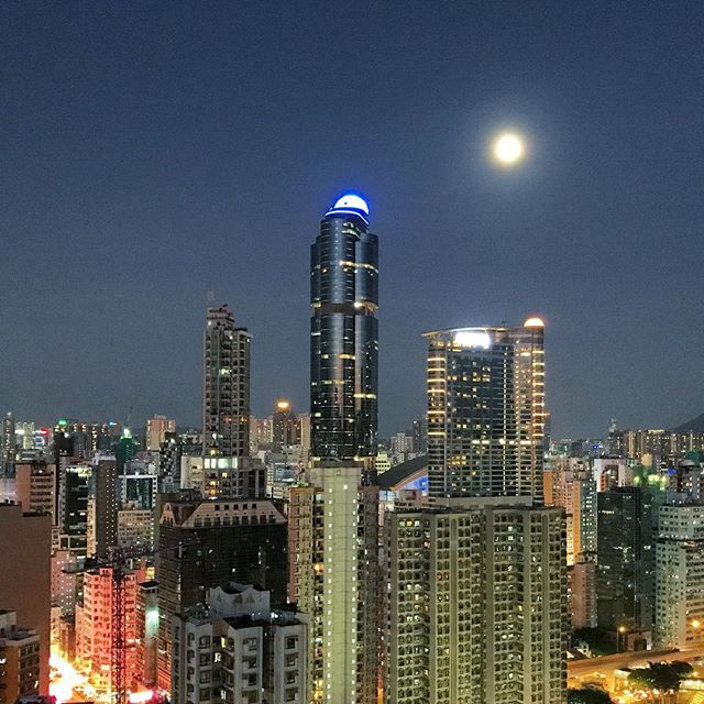The #moon looms over #Mongkok and #LanghamPlace on a hot #summer #night. #HongKong #hk #hkig