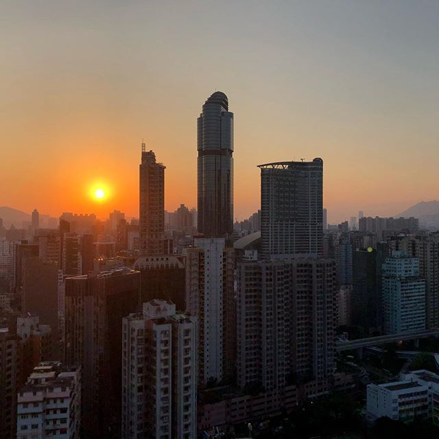 #autumn #sunrise over #LanghamPlace in #Mongkok. #dawn #hk #hkig #hongkong